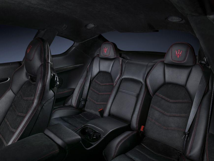 GranTurismo18-interior-seats