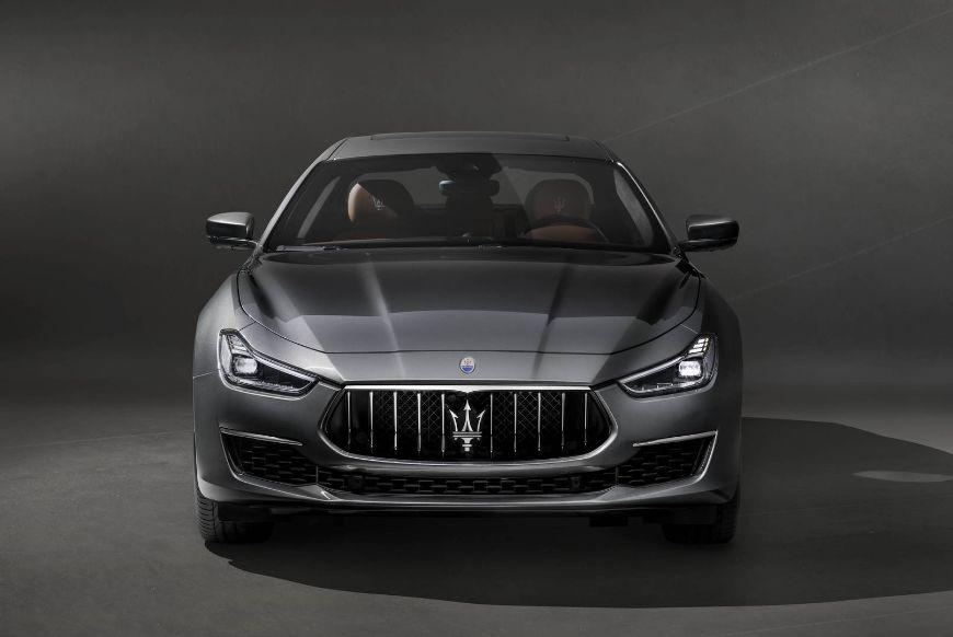 Maserati-Ghibli-GranLusso-MY18-front-hero