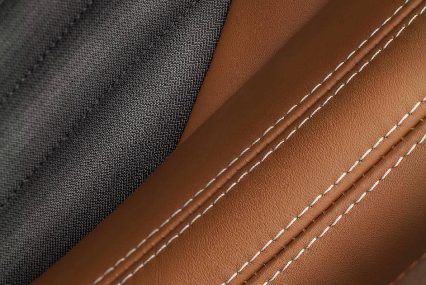 Maserati-Ghibli-GranLusso-MY18-zegna-stitching