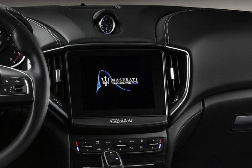 Maserati-MY19-Ghibli-GranLusso-Studio-182410M